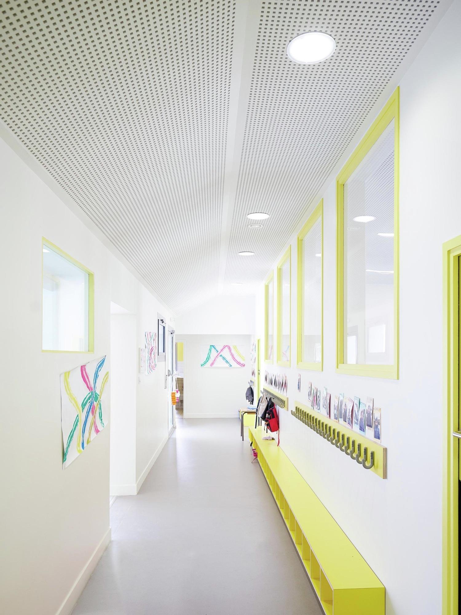 Galer a de extensi n escuela infantil graal architecture for Piscine mantes la ville