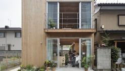 Casa Caja de Madera / suzuki architects