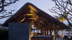 Bar de Playa Naman Retreat / Vo Trong Nghia Architects