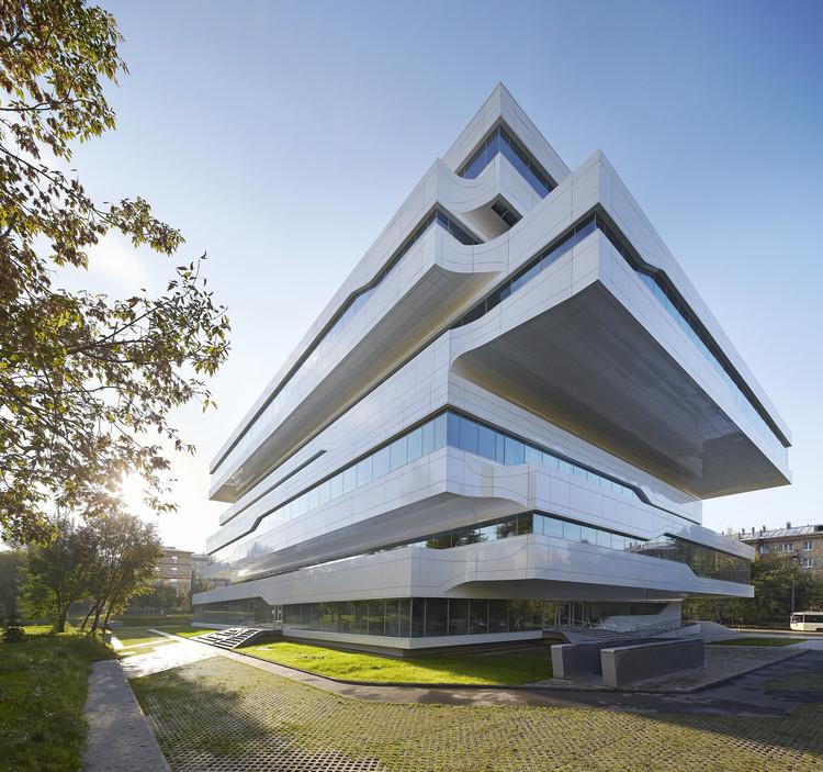 huftoncrow - Zaha Hadid Architect Buildings