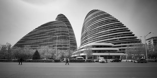 Wangjing SOHO; Beijing, China / Zaha Hadid Architects. Image © Jan Martin  Zaha Hadid's Wangjing SOHO Wins Emporis Skyscraper Award 1 Wangjing SOHO Copyright Jan Martin