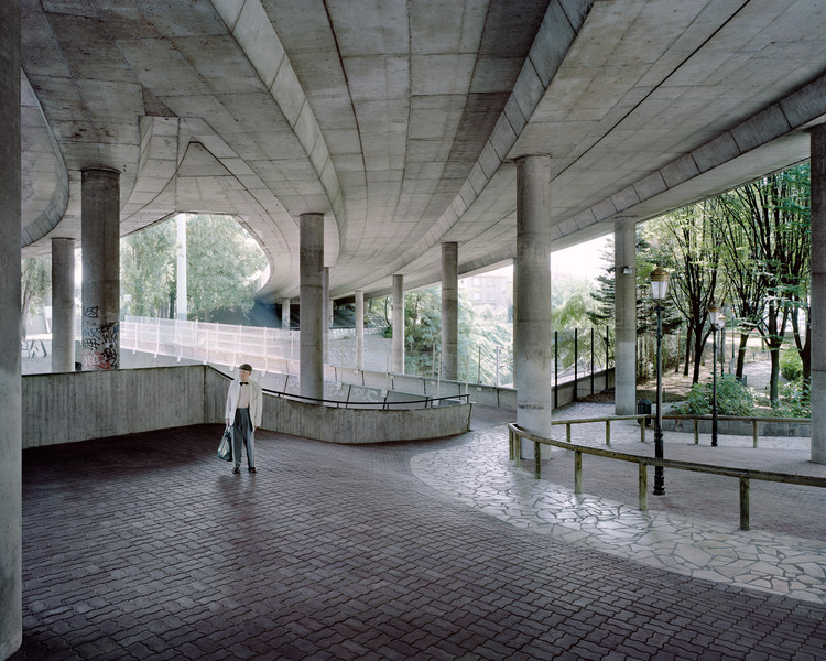 Jean, 89 ans, Puteaux-La Défense, 2011. Image ©  Laurent Kronental