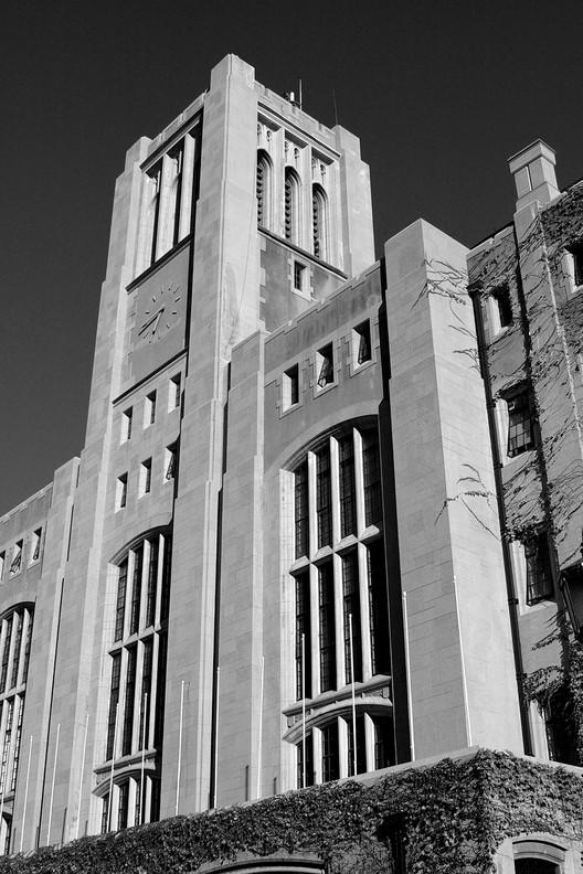 Clásicos de Arquitectura: Casa Central de la Universidad Técnica Federico Santa María de Valparaíso / José Smith Miller y Josué Smith Solar, © Pablo Cabrera CC vía Flickr