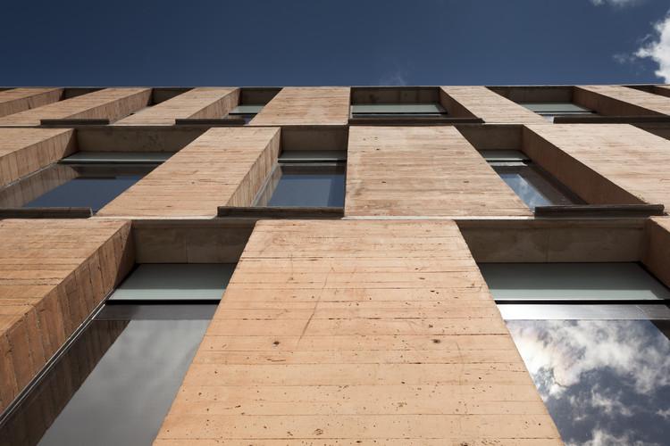 Centro de Atención Integrada Universidad de Los Andes / Daniel Bonilla Arquitectos. Image © Rodrigo Dávila