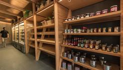 Pabellón Fresh Market / Estudio Macías Peredo