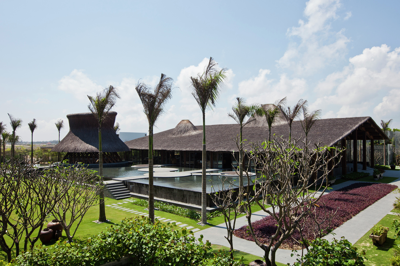 Restaurant exterior architecture - Hay Hay Restaurant And Bar Hiroyuki Oki
