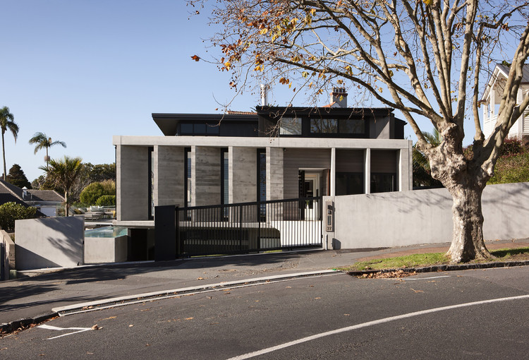 Casa en Herne Bay / Daniel Marshall Architects, © Simon Devitt