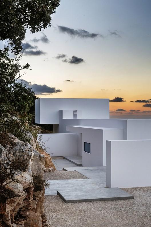 La Casa de Plata / Dwek Architectes, © Serge Anton