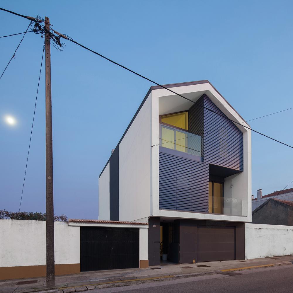 Groovy Gallery Of House In Bela Vista Rvdm Arquitectos 1 Inspirational Interior Design Netriciaus