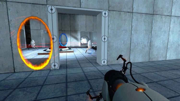 Gracias a los portales podemos ver al robot defensor desde dos ángulos simultáneos. La magia de Aperture Science.. Image vía Moddb