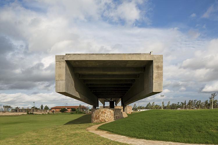 Driving range público  / Javier Corvalán + Laboratorio de Arquitectura, © Leonardo Finotti