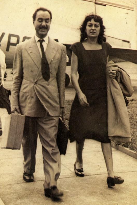Lina Bo Bardi and Pietro Maria Bardi arriving in São Paulo, 1947