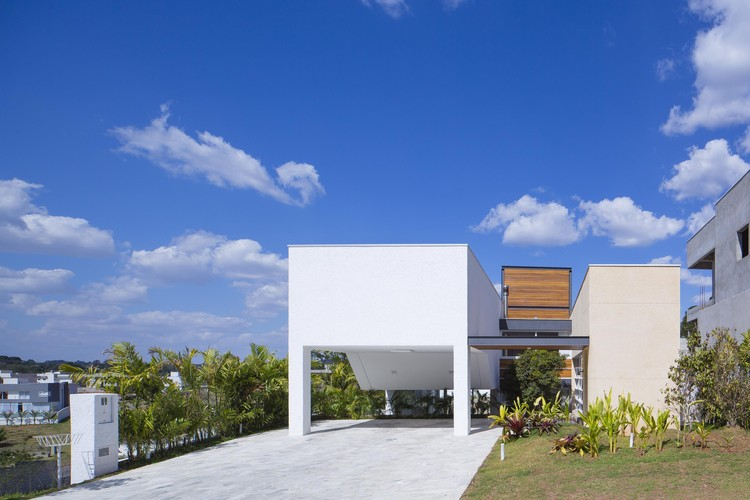 Casa Ka / Bonina Arquitetura, © Tony Chen