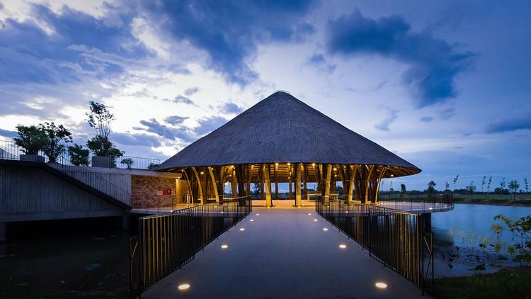 Centro Comunitario del Pueblo Sen / Vo Trong Nghia Architects, © Quang Tran