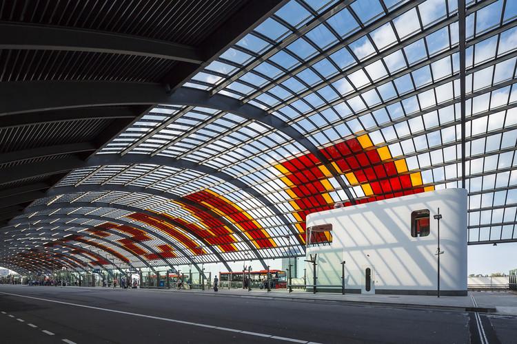 Edificio para Conductores de Buses / Benthem Crouwel Architects, © Jannes Linders