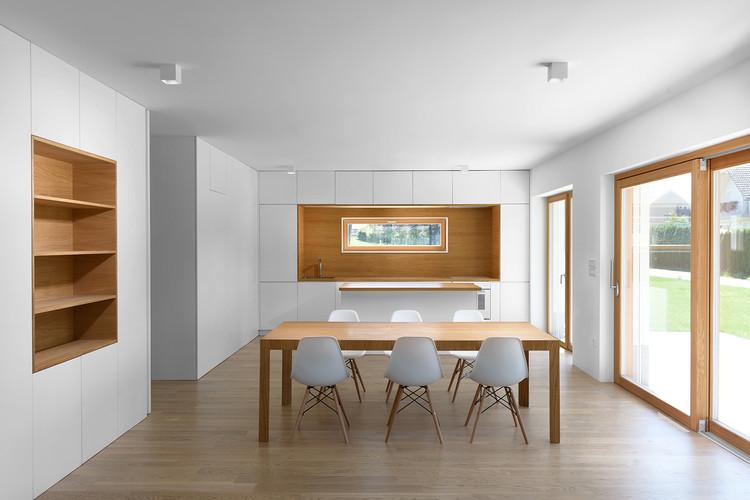 Apartamento de pared plegable / Arhitektura d.o.o., © Jure Goršič