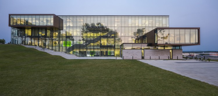 Desjardins Group  Head Office / ABCP architecture + Anne Carrier Architectes, © Stéphane Groleau