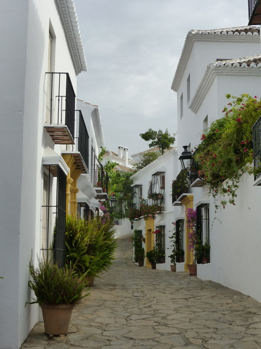 Las Lomas (Marbella, España). Image Cortesía de Premio Rafael Manzano