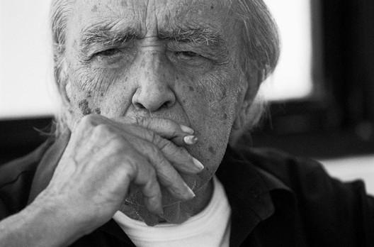 Oscar Niemeyer. Imagem © Tuca Vieira. domusweb.it