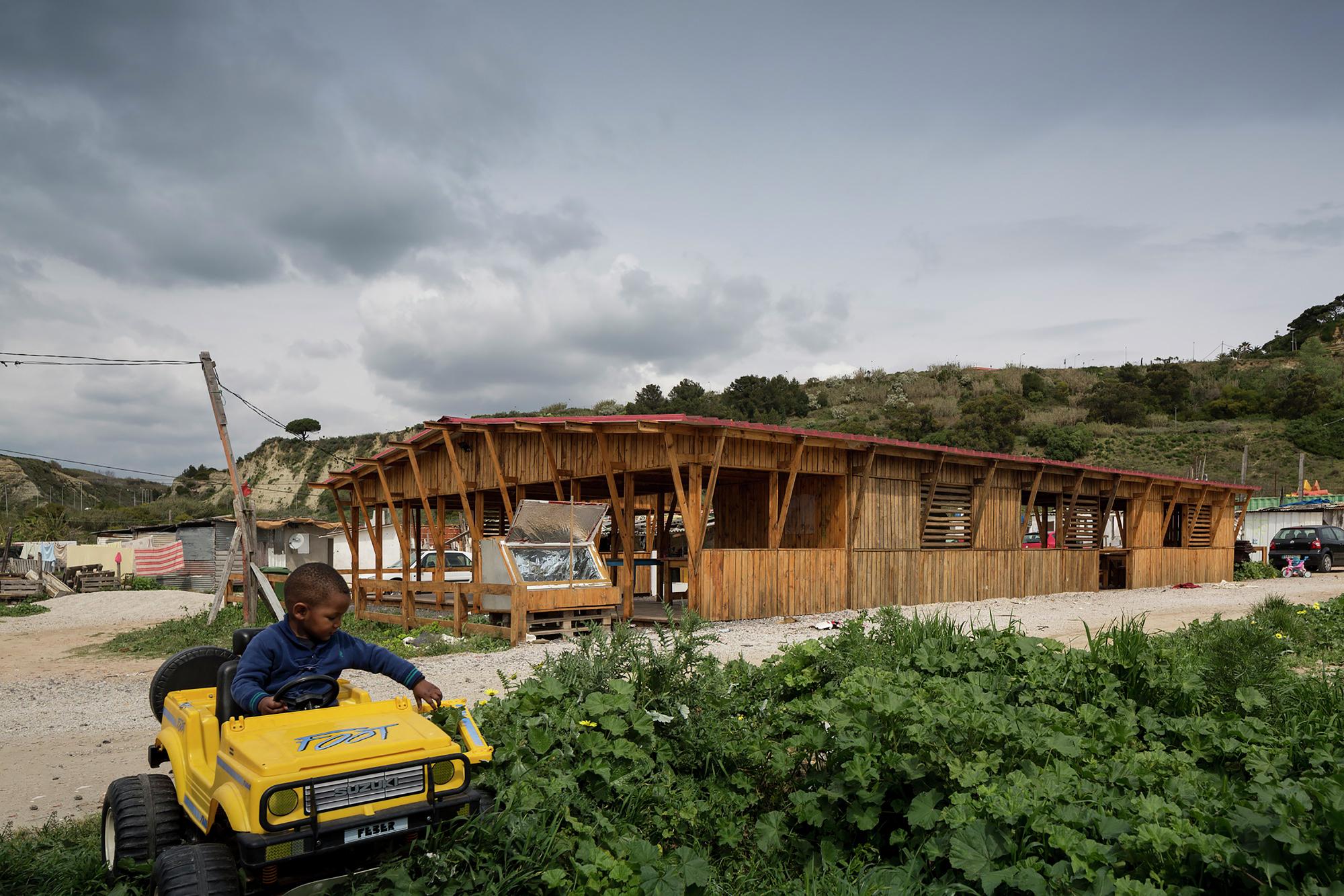 Galeria de Cozinha Comunitária das Terras da Costa / ateliermob  #694629 2000 1333