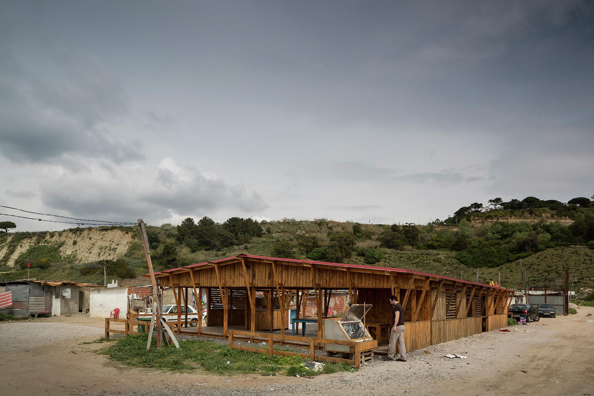 Galeria de Cozinha Comunitária das Terras da Costa / ateliermob  #684728 2000 1333