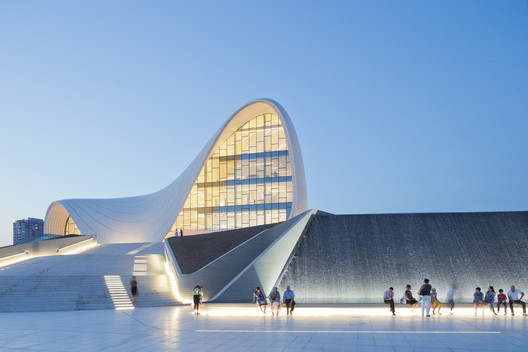 Centro Heydar Aliyev / Zaha Hadid Architects. Imagem © Iwan Baan