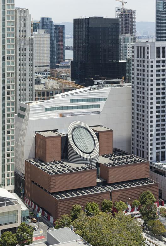 SFMOMA, Snøhetta expansion and Mario Botta building. Image © Henrik Kam, courtesy of SFMOMA.