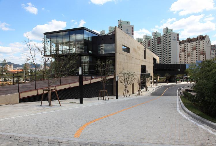 Centro de soporte Gwangju Biennale / IROJE Architects & Planners, © Jong Oh Kim