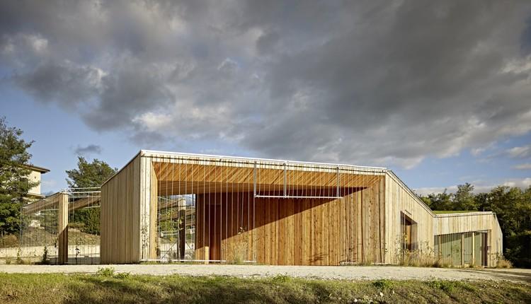 Centro Comunitario en Poggio Picenze / Burnazzi Feltrin Architetti, © Carlo Baroni