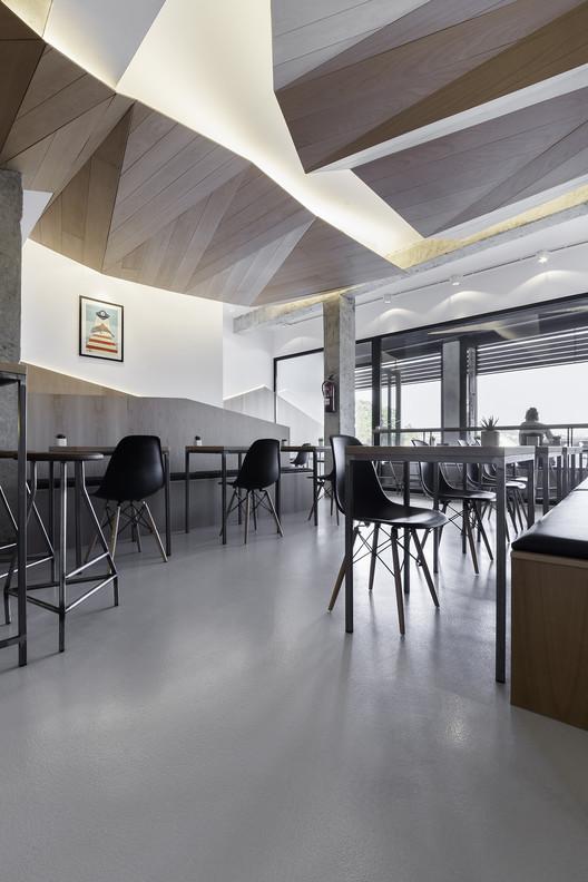 Café Mirabous  / NAN Arquitectos, © Iván Casal Nieto