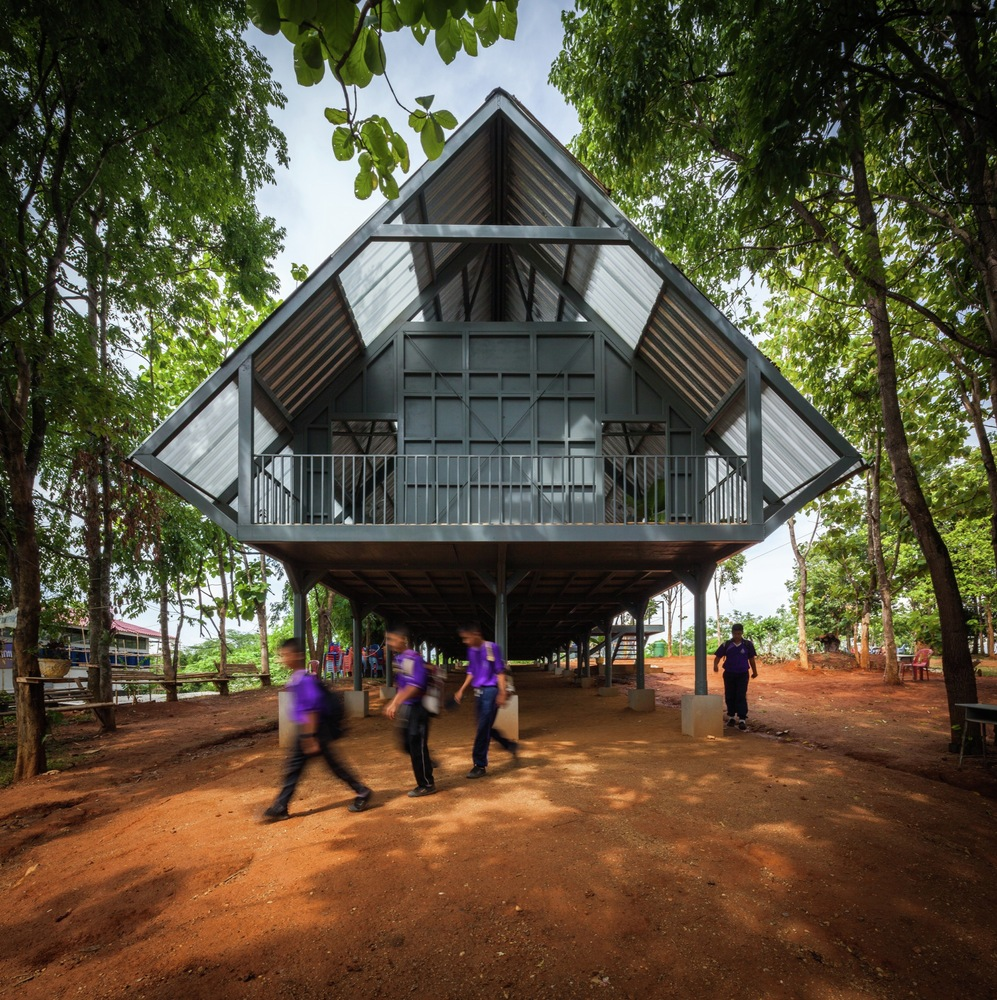 Bann Huay San Yaw- Post Disaster School  / Vin Varavarn Architects