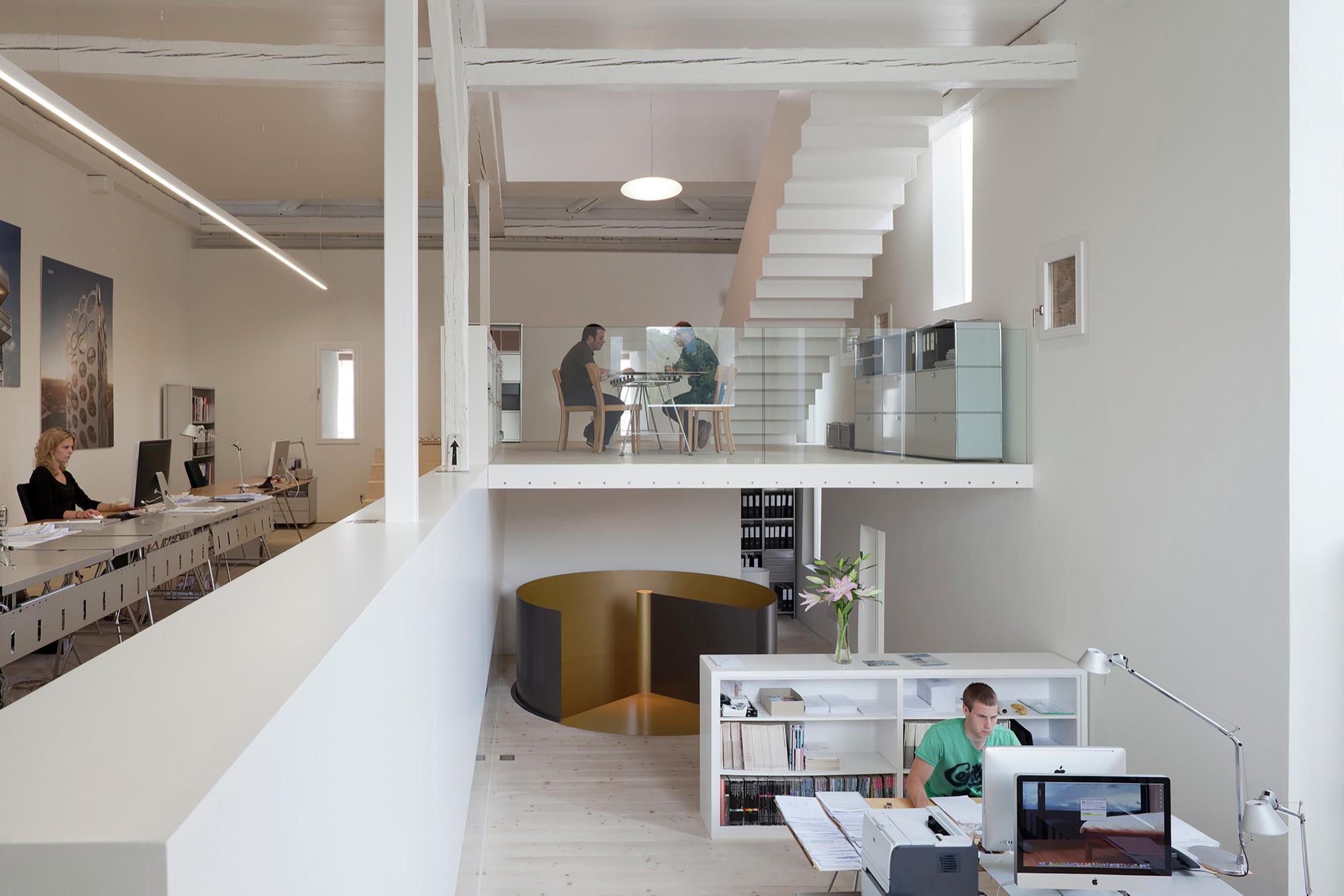Gallery of kirchplatz residence oa europe office for Plantas de oficinas arquitectura