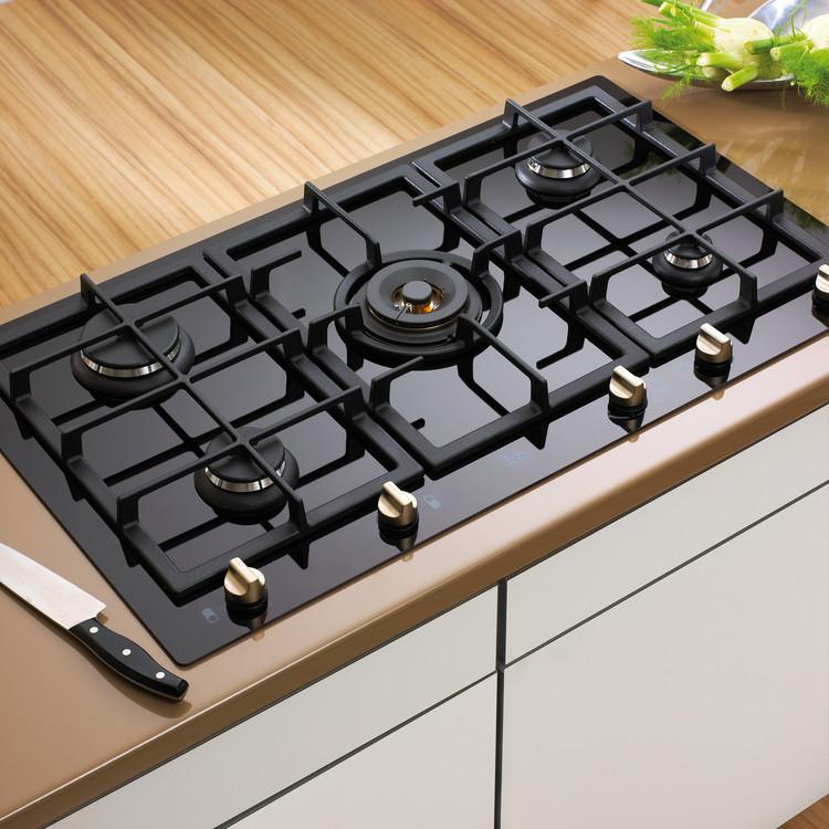 Materiales cocinas encimeras plataforma arquitectura for Cocinas teka gas natural
