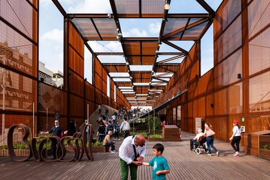 Brazilian Expo Pavilion 2015 / Studio Arthur Casas and Atelier Marko Brajovics in Milan, Italy. Cortesia de WAF.