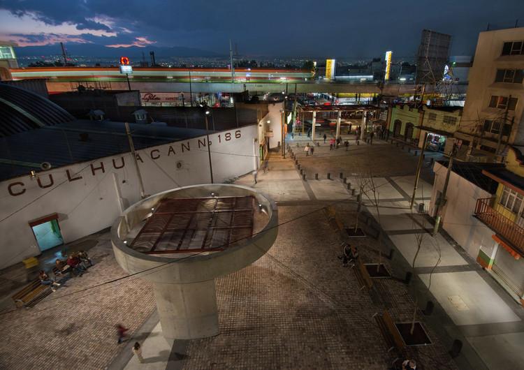 Finalista de la categoría Paisajismo - Culhuacan Squares Redevelopment, Ciudad de México, México / 128 Architecture & Urban Design. Image  © Alejandro Gutiérrez, Fabián Garcilita