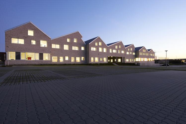 Escuela social y de atención a la salud en Aarhus / Cubo Arkitekter, © Martin Schubert