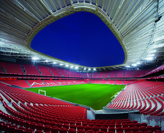 San Mamés Stadium / Azcárate (ACXT-IDOM) in Spain. Cortesia de WAF.