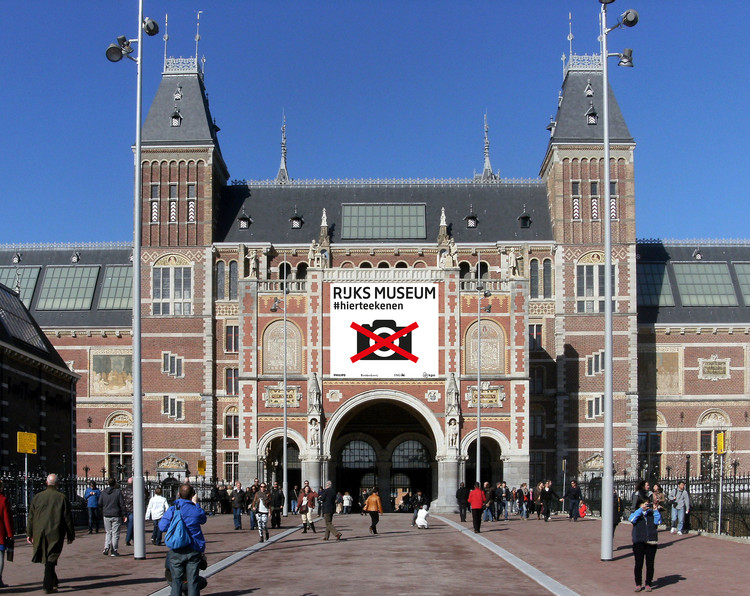 Amsterdam's Rijksmuseum 'Bans' Cameras to Encourage Sketching, Amsterdam's Rijksmuseum (2015). Image © Rijksmuseum