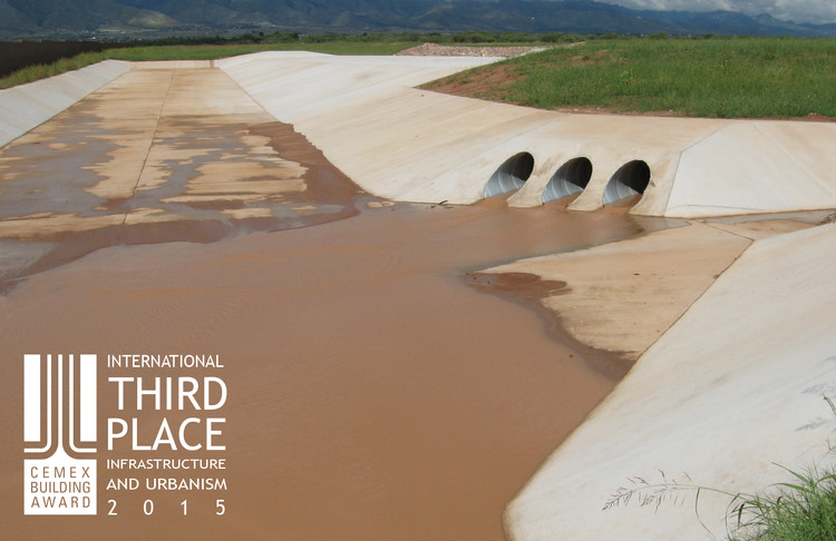 Tercer lugar -  Infraestructura y Urbanismo. Palominas Flood Protection and Groundwater Recharge Project. Imagen Cortesía de CEMEX.