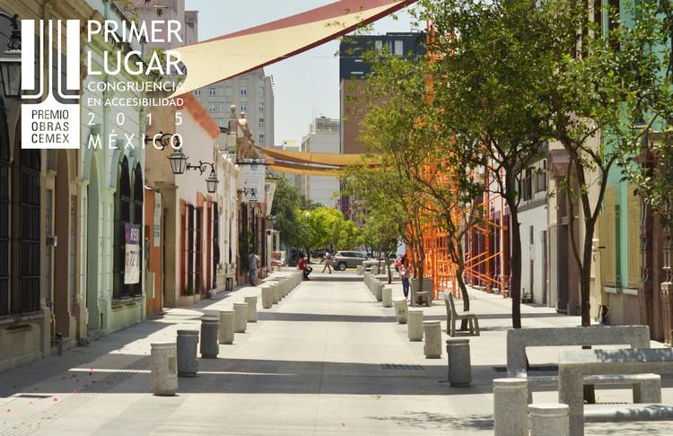 Primer lugar - Congruencia en Accesibilidad (Edición nacional). Calle Morelos. Imagen Cortesía de CEMEX.