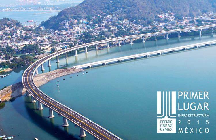 Primer lugar - Infraestructura (Edición nacional). Viaducto II en Manzanillo. Imagen Cortesía de CEMEX.