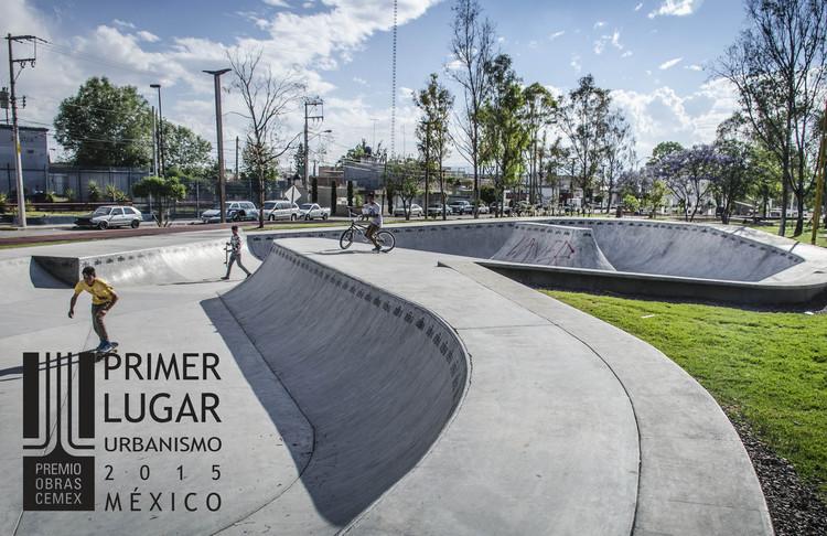 Primer lugar - Urbanismo (Edición nacional). Regeneración Urbana Canal Interceptor (Tramo 2) / Arkylab. Imagen Cortesía de CEMEX.