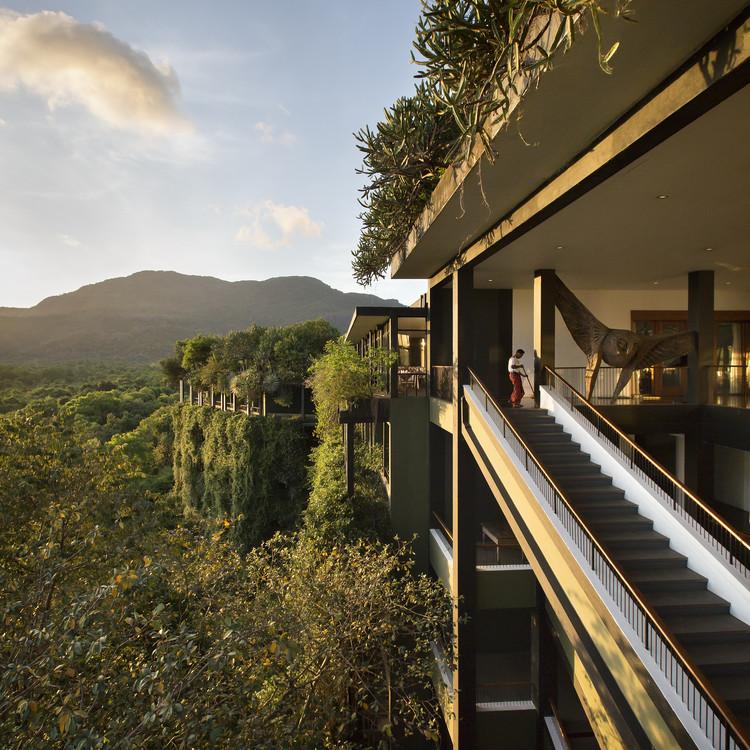 Sentido de lugar: Kandalama Hotel (Dambulla, Sri Lanka) / Geoffrey Bawa. Imagen © Tom Roe