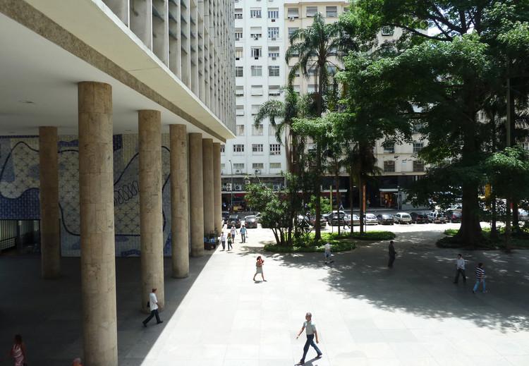 Sede del Ministerio de Educación y Salud en Río de Janeiro. Ph. 2011. Image © Archivo Luca Bullaro