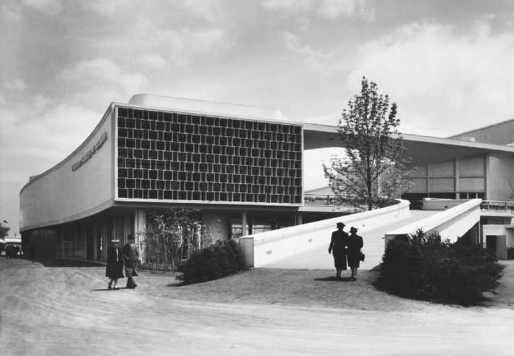 Lucio Costa y Oscar Niemeyer, Pabellón de Brasil en la Exposición Internacional de Nueva York de 1939. Image © Archivo Fundação Oscar Niemeyer