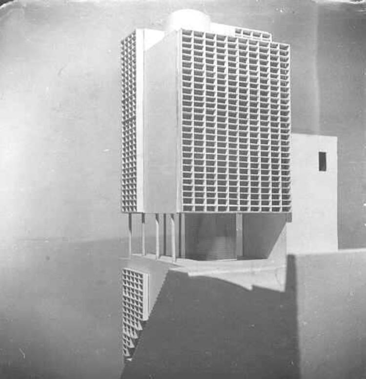 Maison locative Ponsik, en Alger, de Le Corbusier, donde se aplica por primera vez un sistema de quiebra soles.. Image © Fondation Le Corbusier