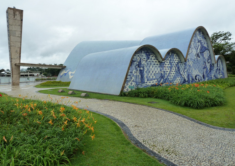 Oscar Niemeyer, Igreja de São Francisco en Pampulha, ph. 2011. Image © Archivo Luca Bullaro