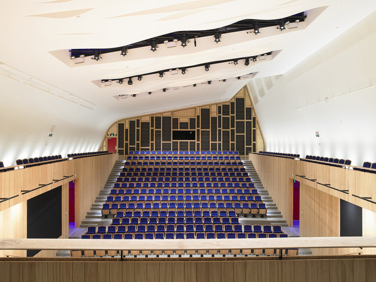 The Blyth Performing Arts Centre / Stevens Lawson Architects, © Mark Smith