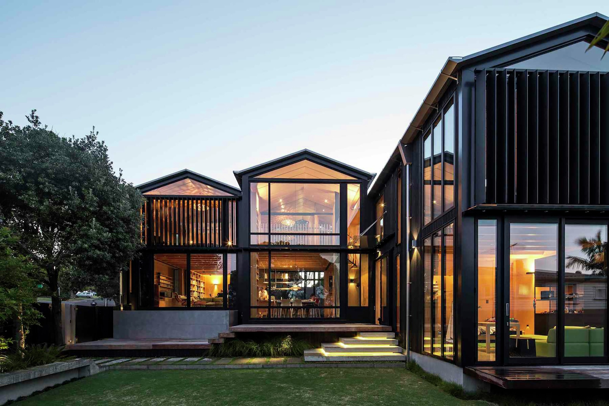 Boatsheds / Strachan Group Architects + Rachael Rush