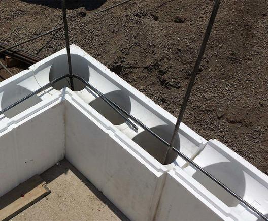 Bloque Aislante para Muros - ICF 20. Image Cortesía de Syntheon